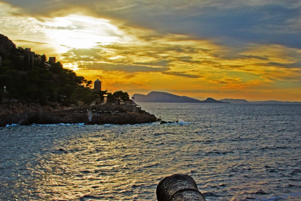 The island of Hydra in the Greek Saronic Gulf off the coast of Athens Olympia on Mallory on Travel, adventure, adventure travel, photography
