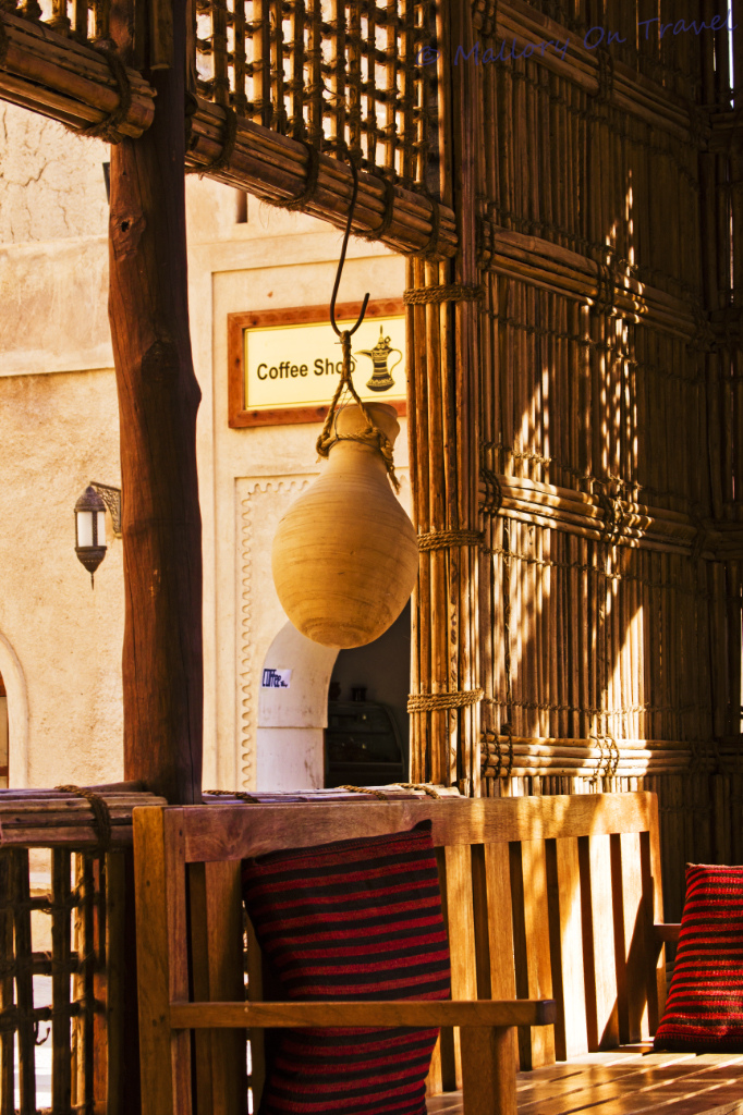 Café culture in the fort at Nizwa in Oman on Mallory on Travel, adventure, photography Iain Mallory-112