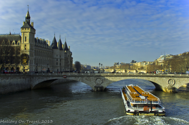 Leisure cruise craft on the River Seine in Paris, France on Mallory on Travel, adventure, adventure travel, photography Iain Mallory-300-24 seine_paris
