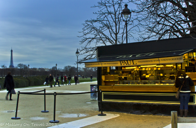 Street food vendor near the Louvre Museum in Paris, France on Mallory on Travel, adventure, adventure travel, photography Iain Mallory-300-35 vendor-paris