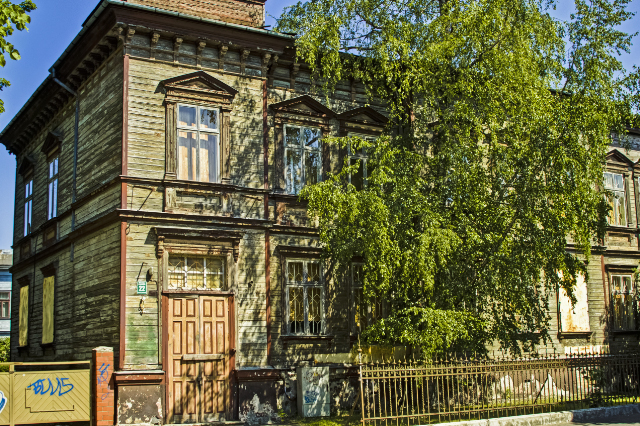 A restored old house in Liepāja in the Baltic state of Latvia on Mallory on Travel, adventure, adventure travel, photography Iain Mallory-300-56 liepaja_latvia