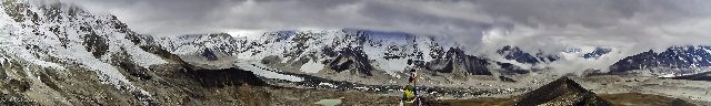 Panorama from the summit of Kala Patthar in the Nepalese Khumbu, the Himalaya adventure, adventure travel, photography on Mallory on Travel