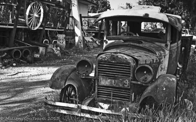 Digital photography; Vintage car in Alice Springs, the Northern Territory, Australia on Mallory on Travel adventure, adventure travel, photography Iain Mallory-300-101BW_vintage_car