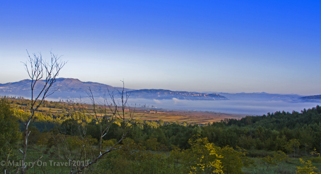 Early morning temperature inversion in Molise, Italy  on Mallory on Travel adventure, adventure travel, photography Iain Mallory-300-3_molise