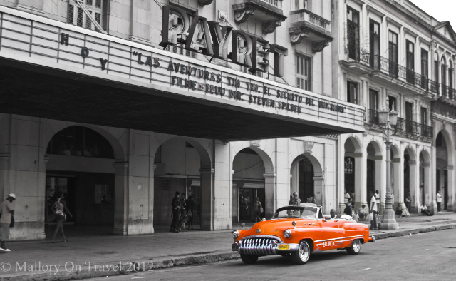 A classic Buick in Old Havana, Cuba on Mallory on Travel adventure, adventure travel, photography Iain Mallory-300-6BW_cuban_car