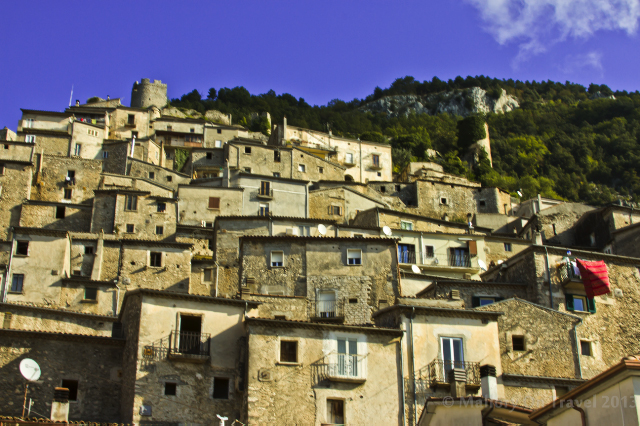 The Molise village of Pesche in Italy  on Mallory on Travel adventure, adventure travel, photography Iain Mallory-300-212_pesche_italy