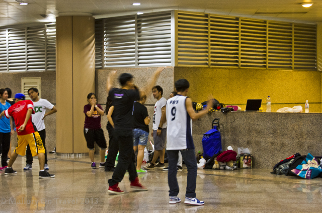The public area of the Singapore metro, make useful rehearsal space on Mallory on Travel adventure, adventure travel, photography Iain Mallory-300-44 singapore_metro