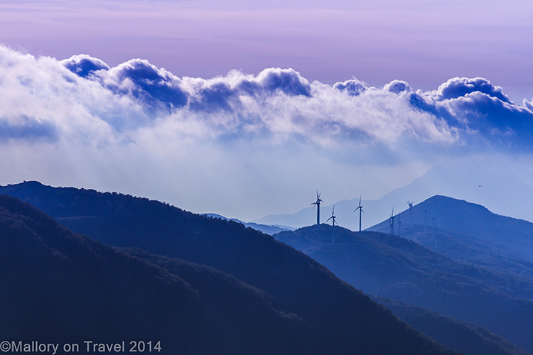 Low clouds in Molise, Italy, temperature inversions in the mountains near Isernia on Mallory on Travel adventure, adventure travel, photography Iain Mallory-300-9 molise_italy