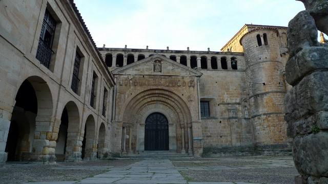 La Colegiata de Santa Juliana, Santillana del Mar, in Cantabria, Spain on Mallory on Travel adventure, adventure travel, photography Cantabria 081