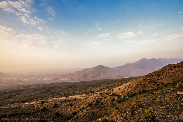 The misty mountains of Jabal Shams in the Sultanate of Oman on Mallory on Travel adventure, adventure travel, photography Iain Mallory-23-2 oman_mountains
