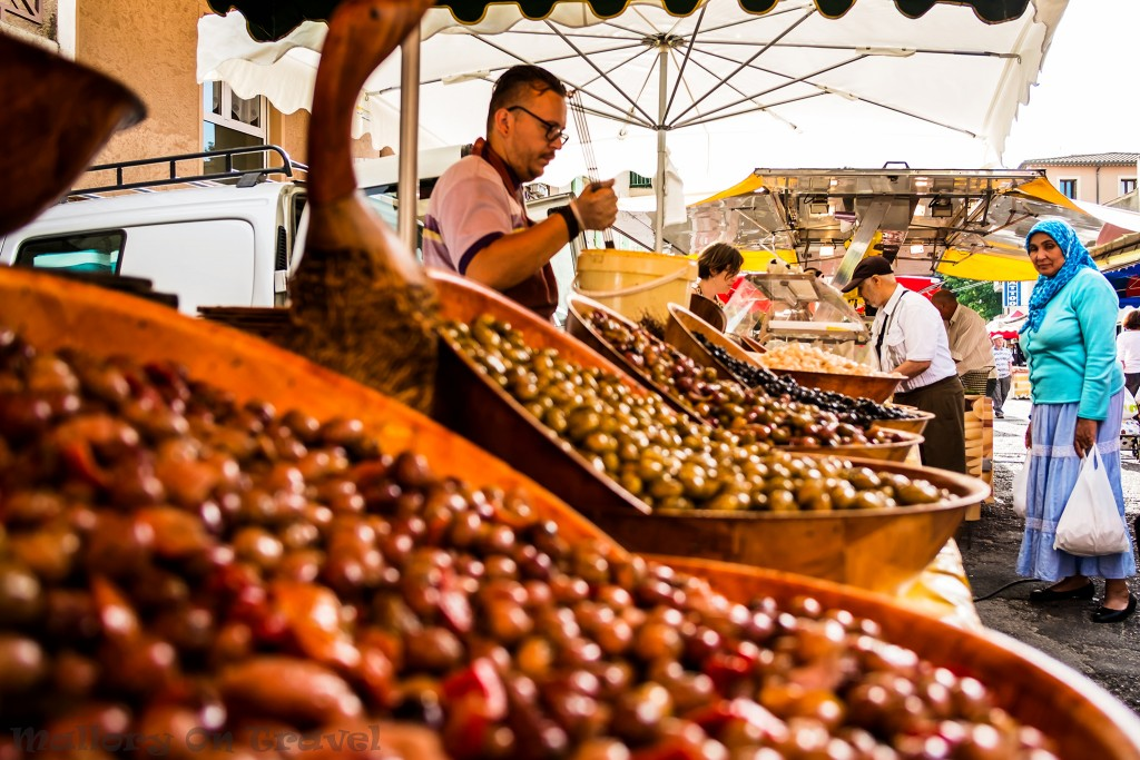 Market at Vaison la Romaine in the Rhône Valley in the South of France on Mallory on Travel adventure, adventure travel, photography Iain_Mallory_Rhone1411855
