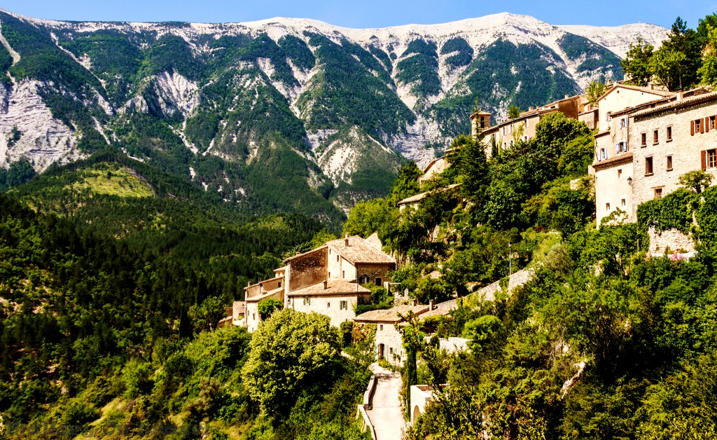 Brantes near Mont Ventoux in the Rhône Valley region of Provence in the south of France on Mallory on Travel adventure, adventure travel, photography Iain_Mallory_Rhone1412338