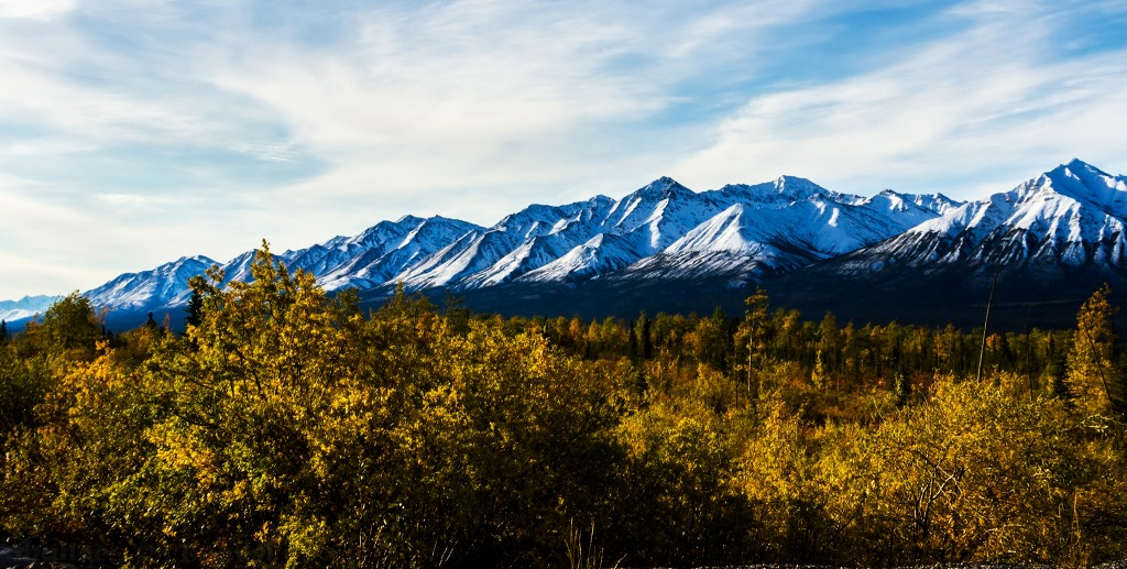 A snowy mountain range along the Alaska Highway towards Haines Junction in The Yukon, Canada on Mallory on Travel adventure travel, photography, travel Iain_Mallory_Yukon1412521