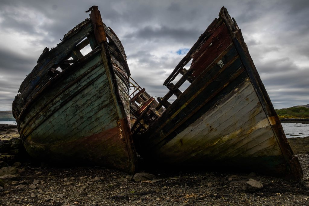 Abandoned boats on the Isle of Mull, the Scottish Highlands on Mallory on Travel adventure travel, photography, travel Iain_Mallory_Scotland-3654