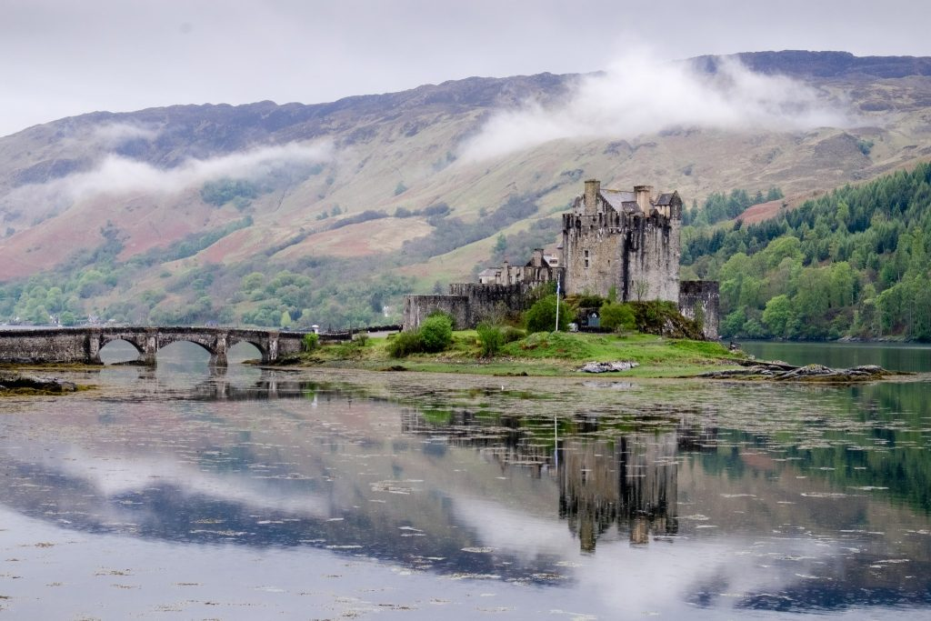 Eilean Donan Castle near Dornie and the Kyle of Lochalsh in the highlands of Scotland's west coast on Mallory on Travel adventure travel, photography, travel Iain_Mallory_Scotland-3909