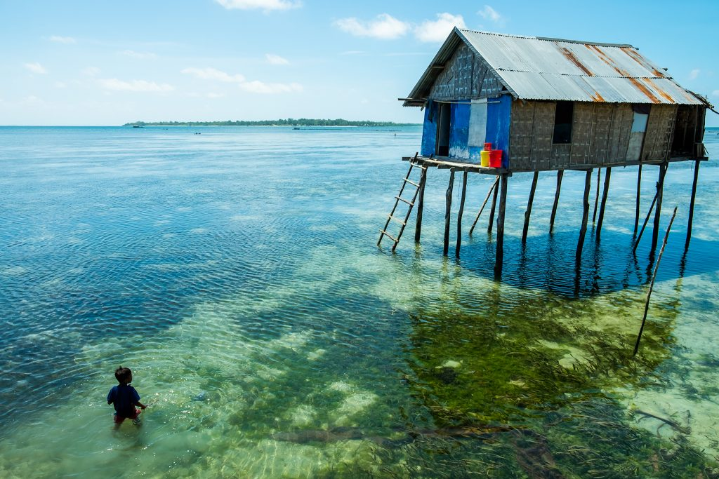 The Bajo, 'Sea Gypsies' or 'Sea Nomads' of Sulawesi live in stilted houses in Pulau Hoga, Wakatobi in Indonesia on Mallory on Travel adventure travel, photography, travel iain-mallory_indo-1-65