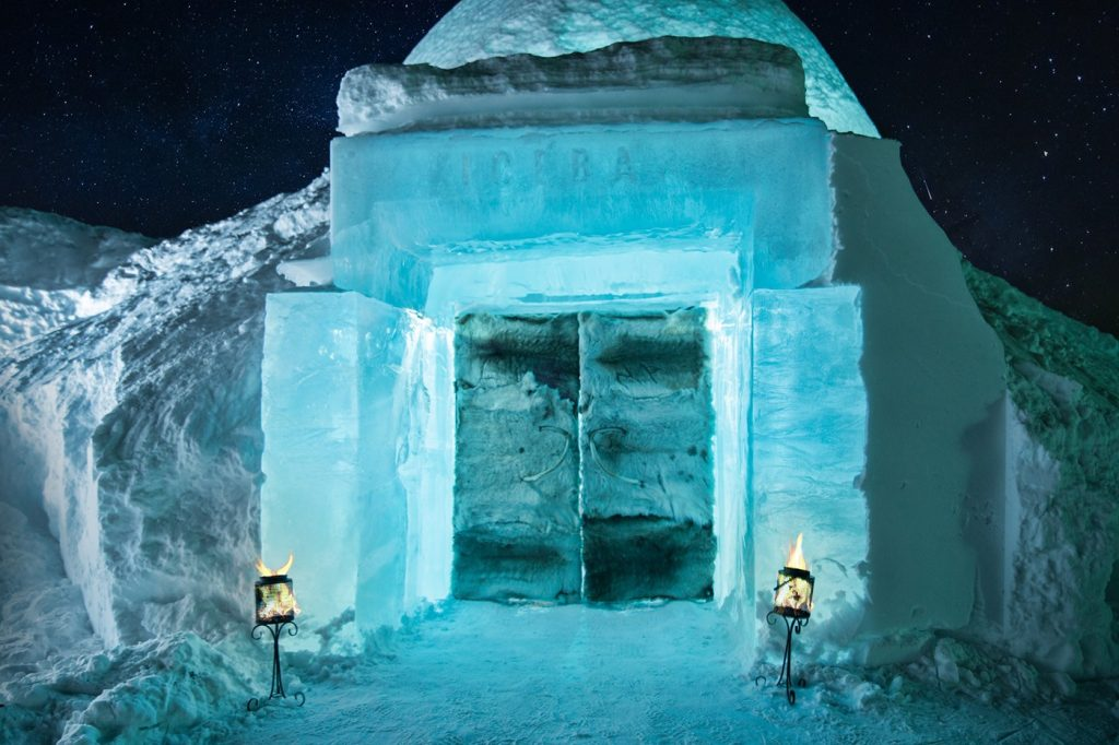 The IceHotel at Jukkasjärvi on the Torne River in Swedish Lapland, 200 km north of the Arctic Circle on Mallory on Travel adventure travel, photography, travel ice-bar-entrance-icehotel-sweden-2106-1400x932