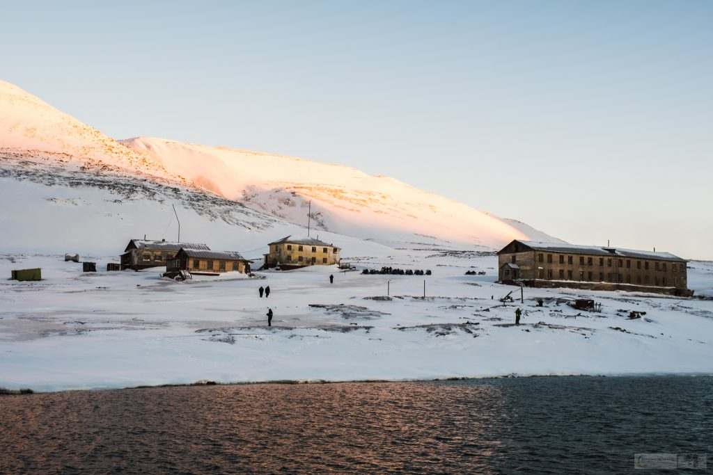 Colesbukta or Coles Bay in Nordenskiöld Land on Spitzbergen, Svalbard in Norway on Mallory on Travel adventure travel, photography, travel Iain Mallory_Svalbard-1-33