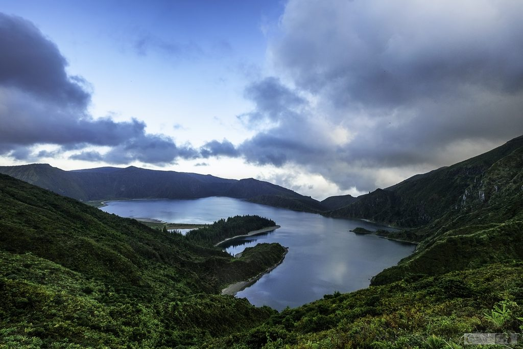 Viewpoint above Lagoa do Fogo, on the island of São Miguel in the Azores archipelago, Portuguese islands in the Atlantic on Mallory on Travel adventure travel, photography, travel Iain Mallory_azores-1-7