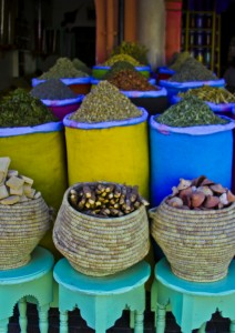 Spices in the souks of the in the medina in Marrakech, Morocco on Mallory on Travel, adventure, photography Iain_Mallory_01485