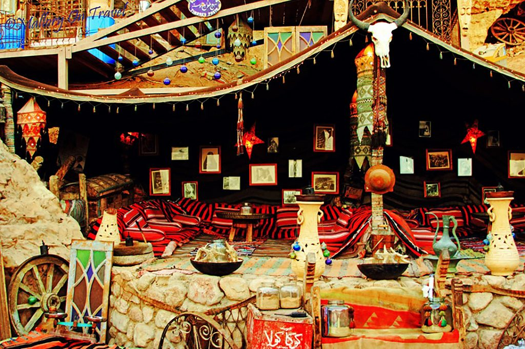 A colourful sheesha and coffee cafe in Sharm el Sheik in Egypt on Mallory on Travel, adventure, photography hillside-sheesha-tif-1-960x639