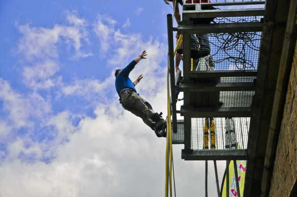 Reverse bungee jumping in St Eulalie de Cernon in the French Aveyron on Mallory on Travel, adventure, photography
