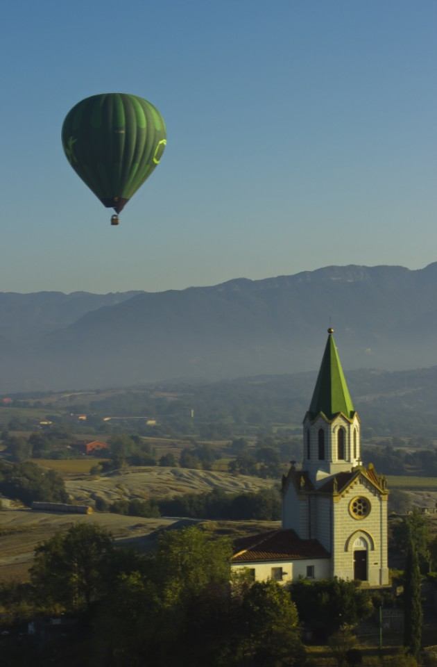 Hot air ballooning in La Garrotxa, Catalonian Spain on Mallory on Travel, adventure, adventure travel, photography