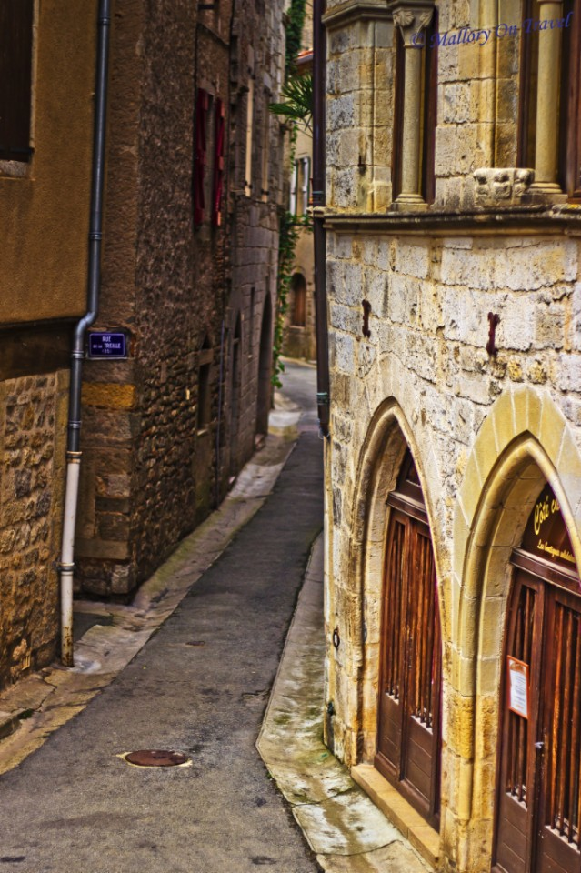 Exploring the narrow streets of St Antonin in Noble Val in the Aveyron, France on Mallory on Travel, adventure, adventure travel, photography Iain_Mallory_006088