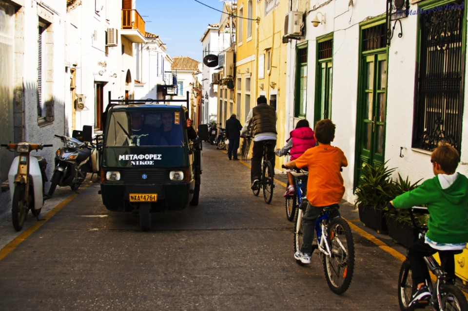 Sustainable travel, traffic free on Spetses, Greece on Mallory on Travel, adventure, adventure travel, photography