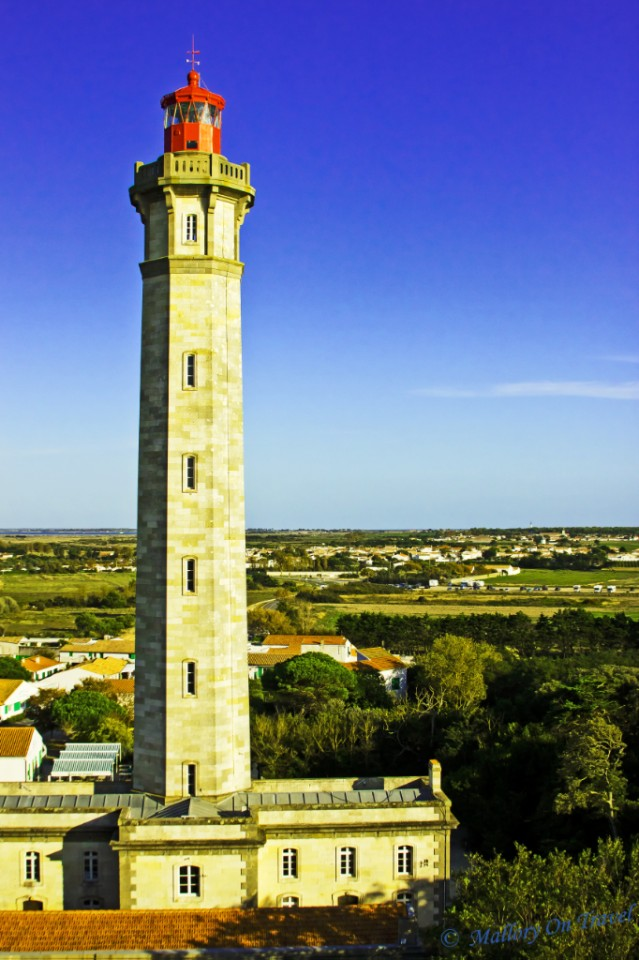 Grand Phare des Baleines lighthouse on Île de Ré in the French Poitou-Charentes region on Mallory on Travel, adventure, adventure travel, photography