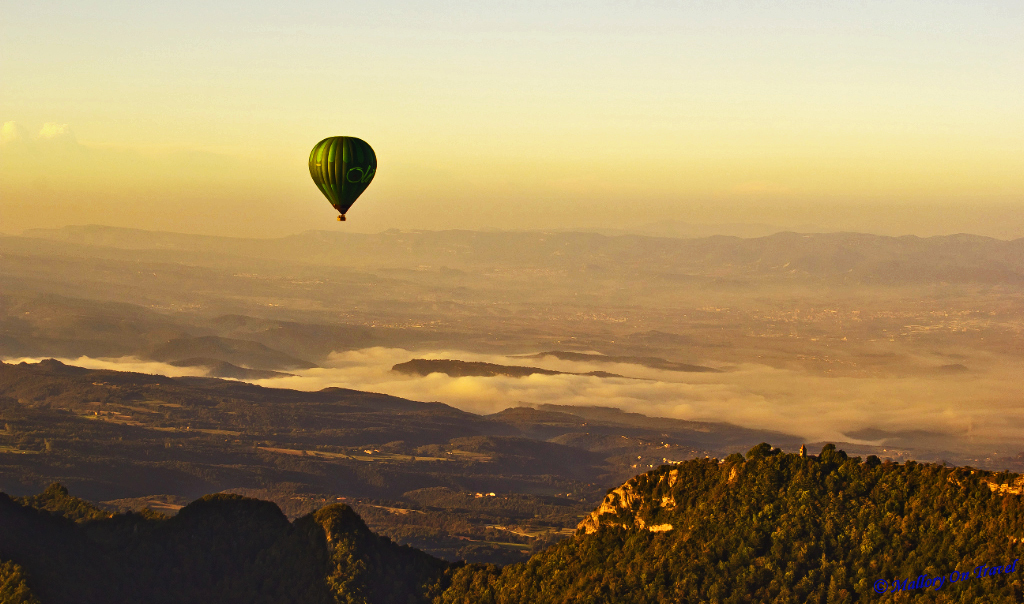 Catalonian sky-riding in a hot air balloon Spain  on Mallory on Travel, adventure, adventure travel, photography