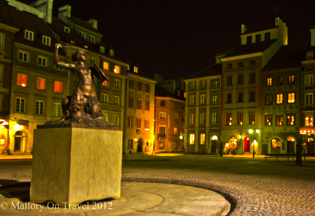 Warsaw Old Town, market square's mermaid in the capital of Poland on Mallory on Travel, adventure, adventure travel, photography