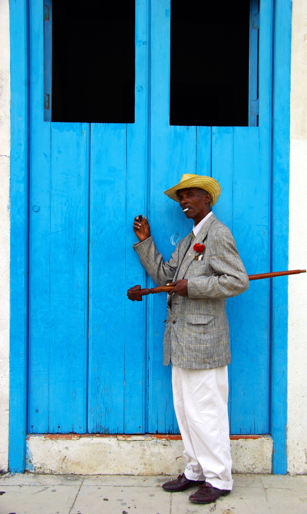 Dancer posing for his photo in Havana, Cuba on Mallory on Travel adventure photography