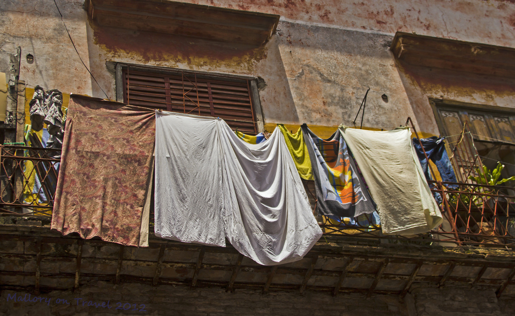 Colourful washing in Havana on the Caribbean island of Cuba on Mallory on Travel adventure photography Iain Mallory-300-259