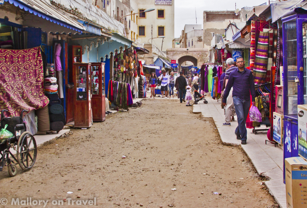 Travel tips - The medina in Essaouira on the North African coast of Morocco on Mallory on Travel adventure photography Iain_Mallory_071788
