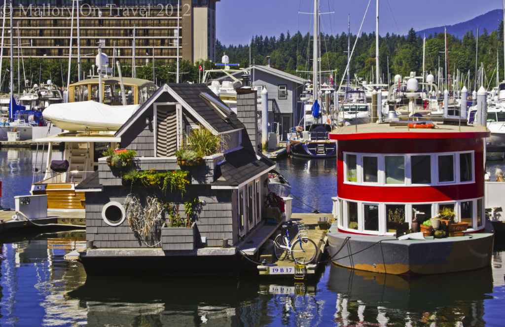 Houseboats on the watefront in Vancouver, British Columbia, Canada on Mallory on Travel adventure photography Iain Mallory-300-151