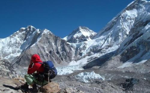 Resting in the Himalaya on the Everest Base Camp trek on Mallory on Travel, adventure, adventure travel, photography SS_EVEREST_BASE_CAMP_255_0