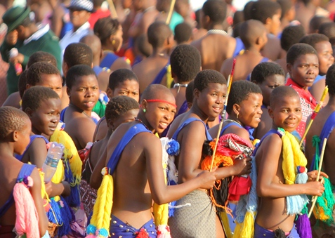 Girls doing the Zulu reed dance in the KwaZulu-Natal in South Africa on Mallory on Travel, adventure, adventure travel, photography