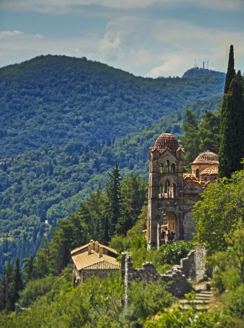 Byzantine monastery at Mystras on the Peloponnese Peninisula, Greece on Mallory on Travel adventure, adventure travel, photography Iain Mallory-300-68_mystras