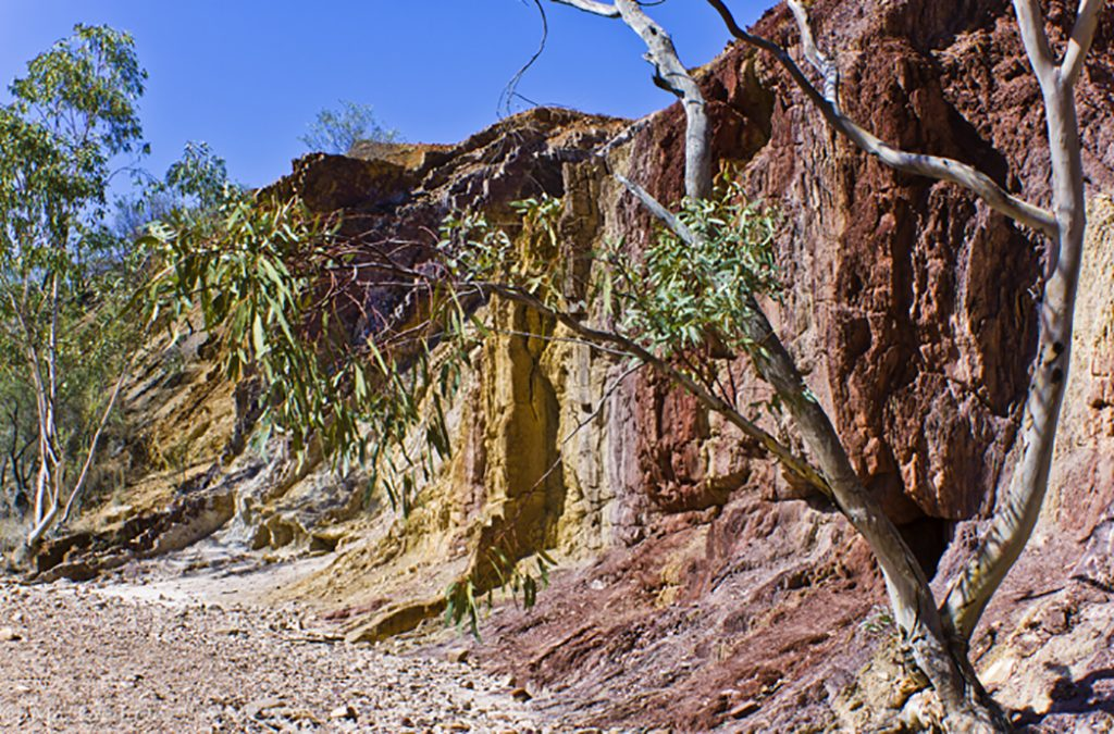 The Ochre Pits of the Larapinta Trail in the west MacDonnell Ranges of the Northern Territory, Australia on Mallory on Travel adventure, adventure travel, photography Iain Mallory-300-91_ochre_pits