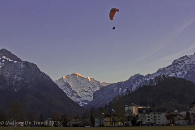 Parapenting in Interlaken in the Jungfrau region of the Bernese Oberland, Switzerland on Mallory on Travel adventure, adventure travel, photography Iain Mallory-300-17_parapenting