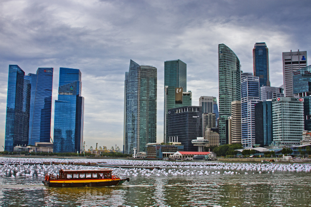 Ferry boat near the Esplanade, Singapore on Mallory on Travel adventure, adventure travel, photography Iain Mallory-300-41_singapore_skyline
