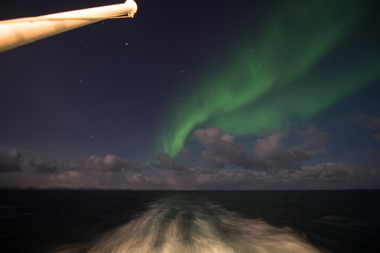 Photographing the Northern Lights; The aurora borealis from a ship in Hurtigruten, Northern Norway on Mallory on Travel adventure, adventure travel, photography bailey photo 100 northern_lights