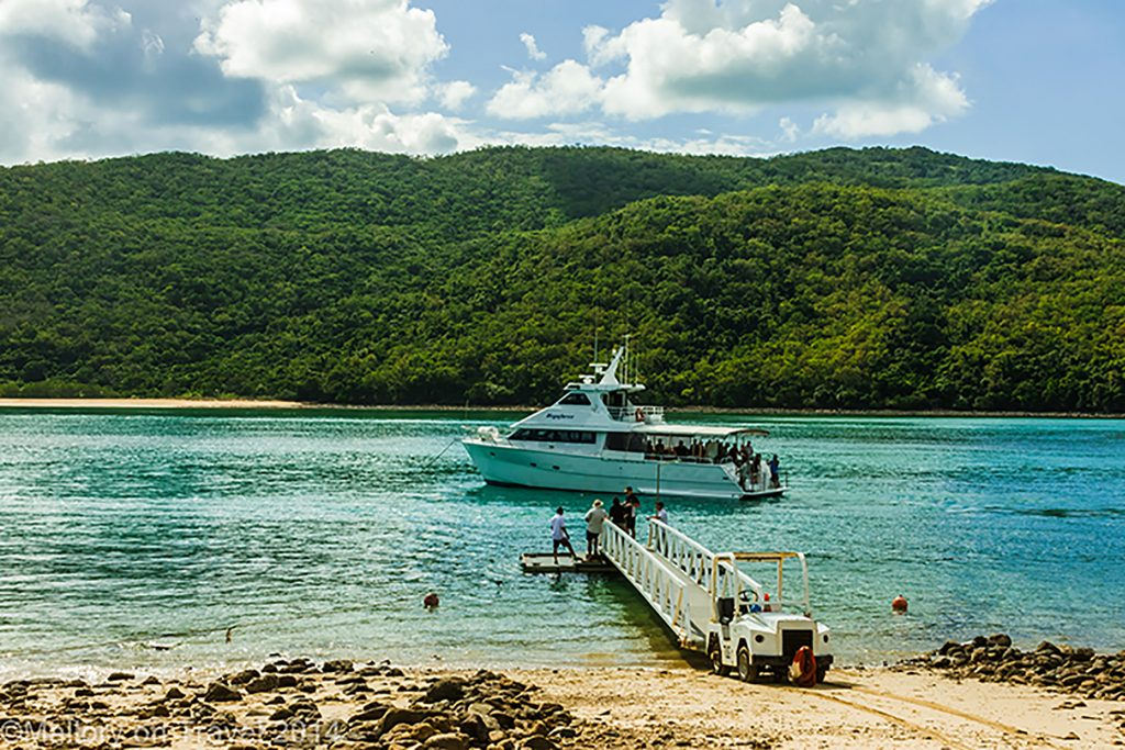 Boat arriving on Keswick Island in the Whitsundays, near Mackay. Queensland in Australia on Mallory on Travel adventure, adventure travel, photography Iain Mallory-300-227 kewsick_island