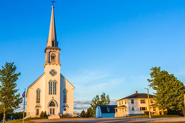 New Brunswick church in Acadieville, Canada on Mallory on Travel adventure, adventure travel, photography Iain Mallory-300-60 canadian_church