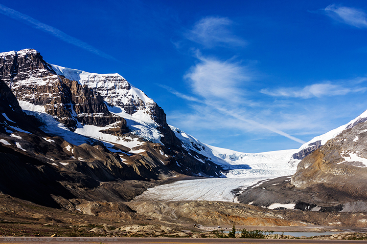 Blogging along the Columbia Icefield on the Icefields Parkway from Banff to Jasper, lined with the Canadian Rockies in Alberta, Canada on Mallory on Travel adventure, adventure travel, photography Iain Mallory-3-2 columbia_icefield