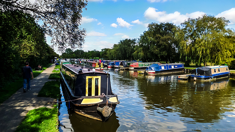 Narrow boats galore on the Macclesfield canal, Cheshire in England on Mallory on Travel adventure, adventure travel, photography Iain_Mallory_Canal1401827 macclesfield_canal.jpg