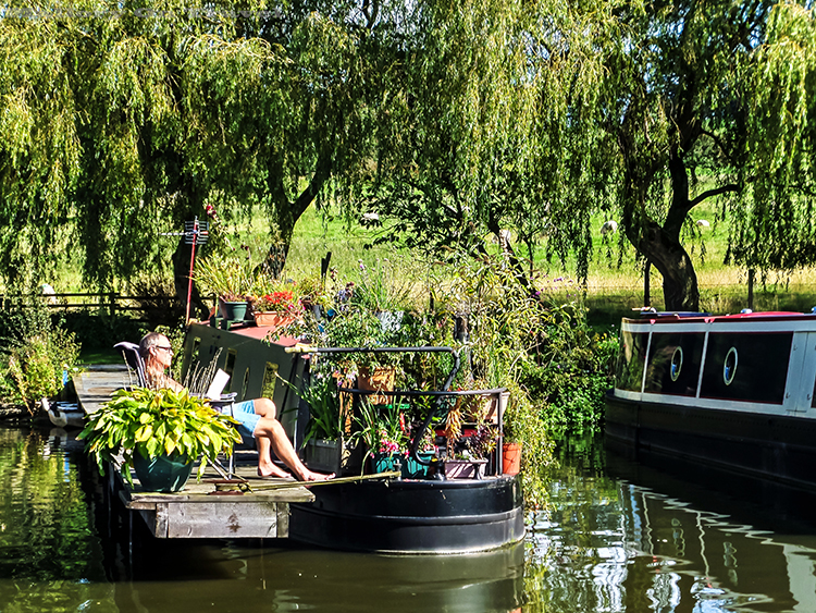 A Cheshire narrow boat owner on the Macclesfield canal in NW England on Mallory on Travel adventure, adventure travel, photography Iain_Mallory_Canal1401829 narrow_boat.jpg