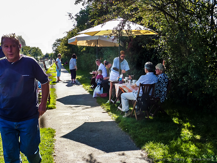 Afternoon tea being enjoyed by visitors to the Macclesfield canal, Cheshire in North-West England on Mallory on Travel adventure, adventure travel, photography Iain_Mallory_Canal1401830 macclesfield_canal.jpg