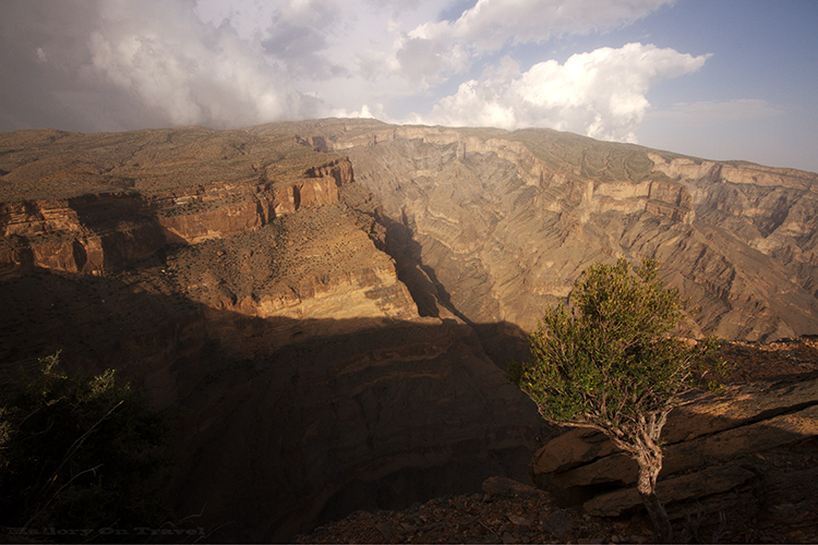 Grand Canyon Oman, the Canyon Nakhar in Jabal Shams mountains of the Sultanate of Oman on Mallory on Travel adventure, adventure travel, photography Iain Mallory-382 wadi_nakhar
